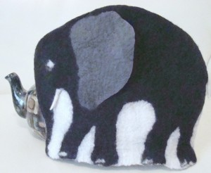 Elephant tea cosy in black and grey